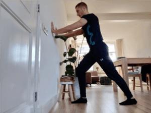 Het verbeteren van de enkelmobiliteit kan helpen bij het verminderen van lage rugklachten